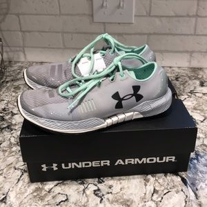 Under armour speed form amp running shoes